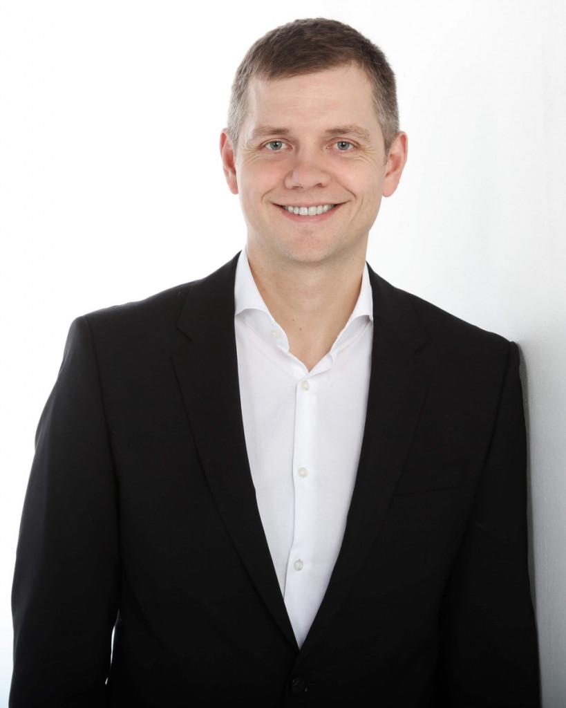 Dr. Alexandre Dumais