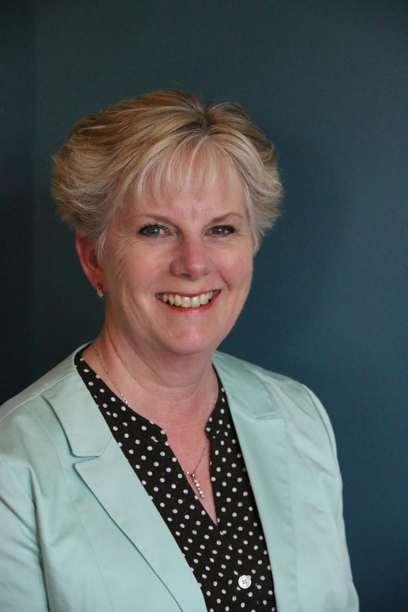 Dr. Maureen Topps