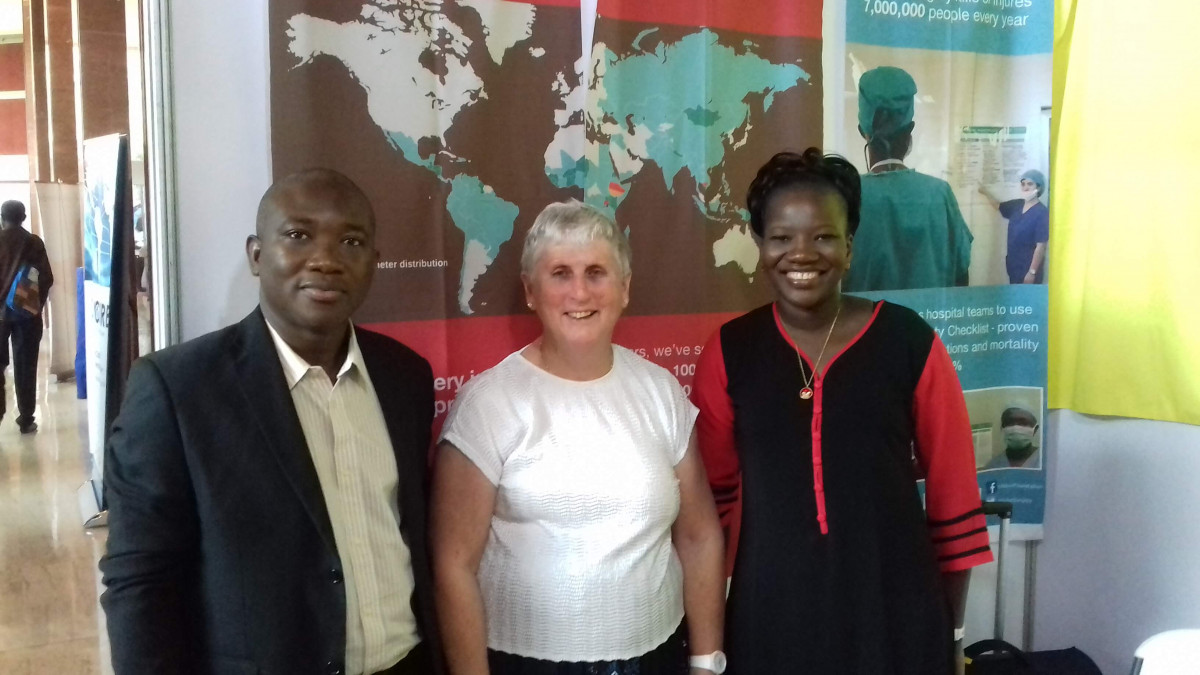 Dr. Enright (centre) with Dr. Cheik Bougouma and Dr. Bertille Ki, young stars of Anesthesia in Burkina-Faso.