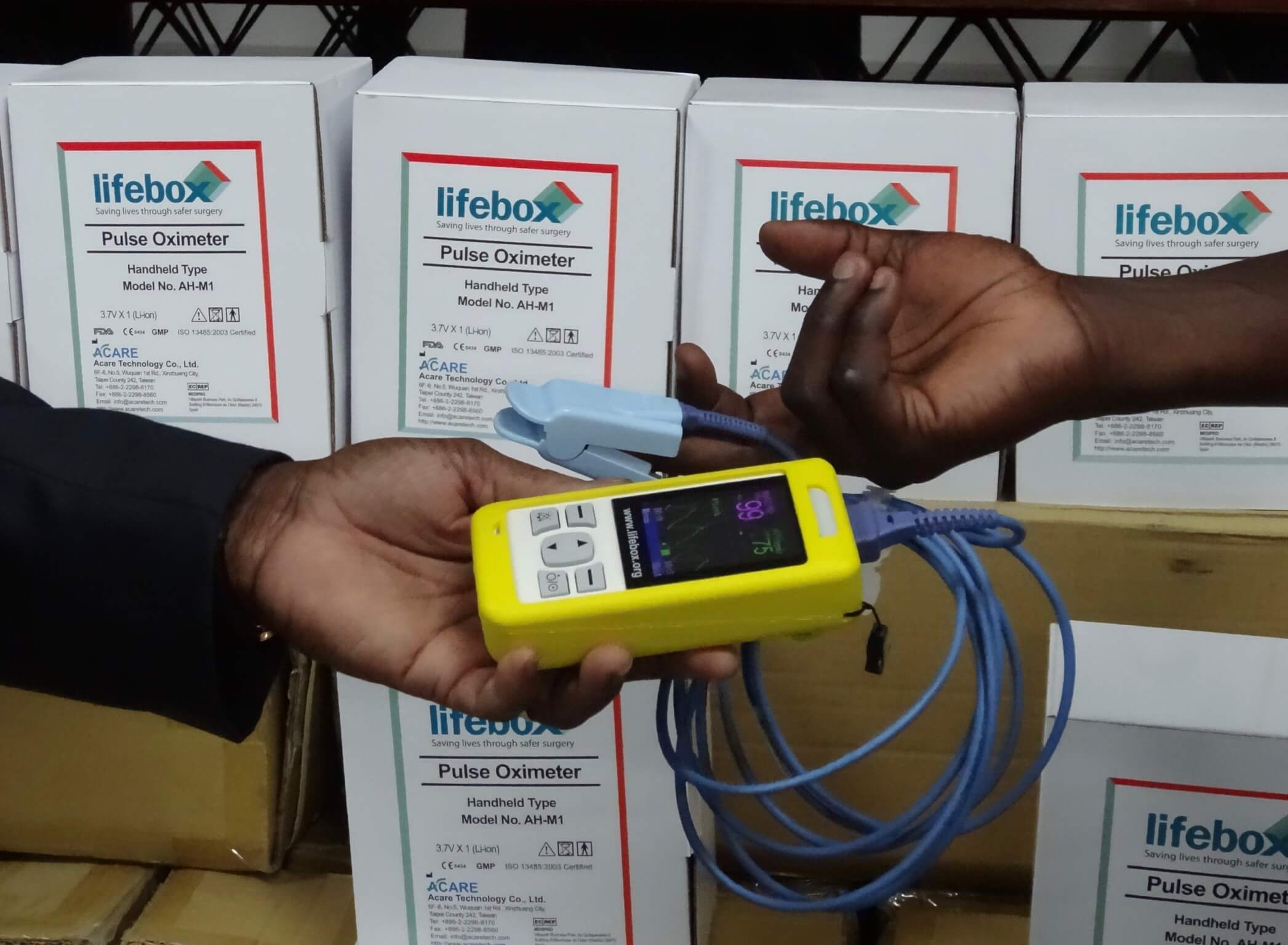 A pulse oximeter developed by Lifebox Foundation.